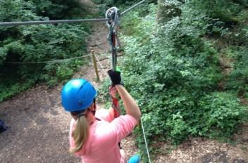 Klasse 6a & 6b hängen in den Seilen